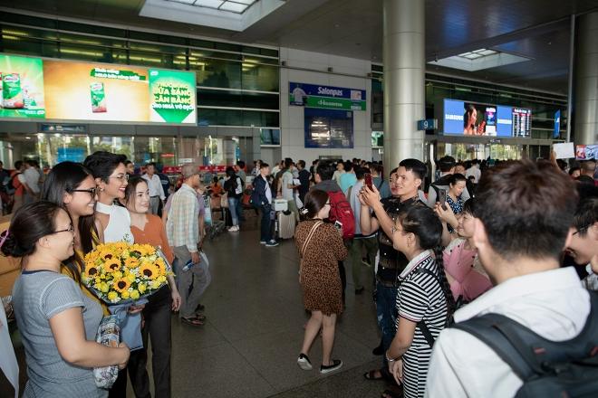 Hoa hậu Hoàn vũ Nhật Bản từng gây sốt với quốc phục thuỷ thủ mặt trăng sang Việt Nam thăm H'Hen Niê - Ảnh 5