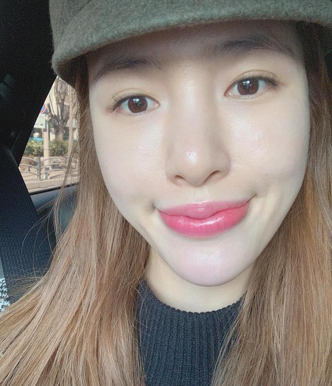 Nhờ 5 bước skincare buổi sáng, các quý cô xứ Hàn luôn duy trì được làn da căng mịn mướt mát nguyên cả ngày dài - Ảnh 2