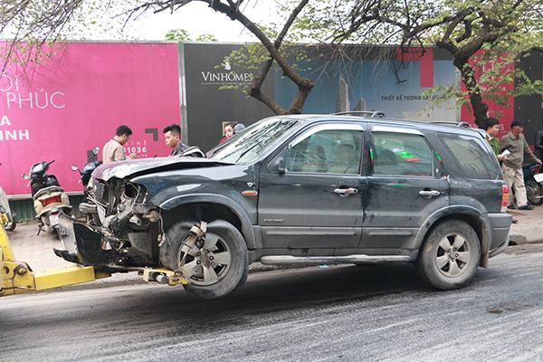 Ô tô đâm 5 xe trên phố Ngọc Khánh, cụ bà bán hàng rong đi bộ tử vong - Ảnh 4