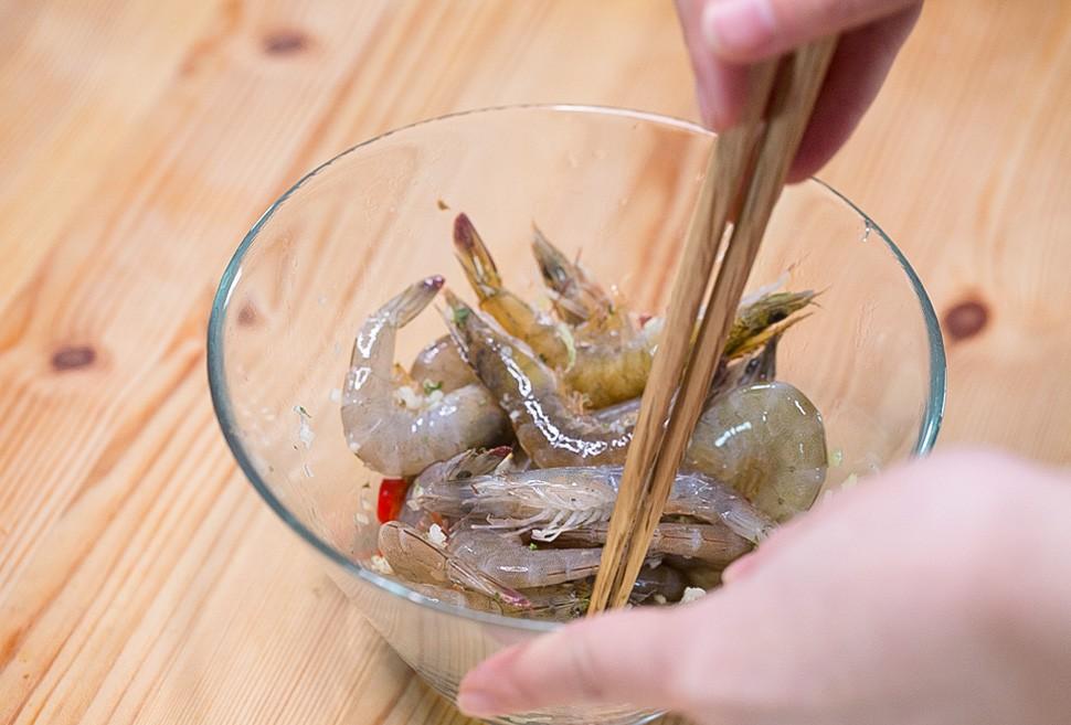 Biến tấu sáng tạo cho món tôm rim đầy hương vị cực ngon cơm - Ảnh 2