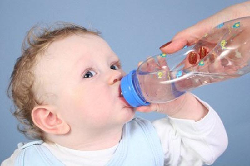 Trẻ sơ sinh bị đầy hơi: Nguyên nhân, dấu hiệu và cách điều trị hiệu quả ngay tại nhà - Ảnh 6