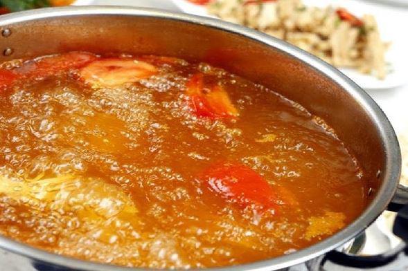 Cách nấu lẩu hải sản ngon, đơn giản - Ảnh 3