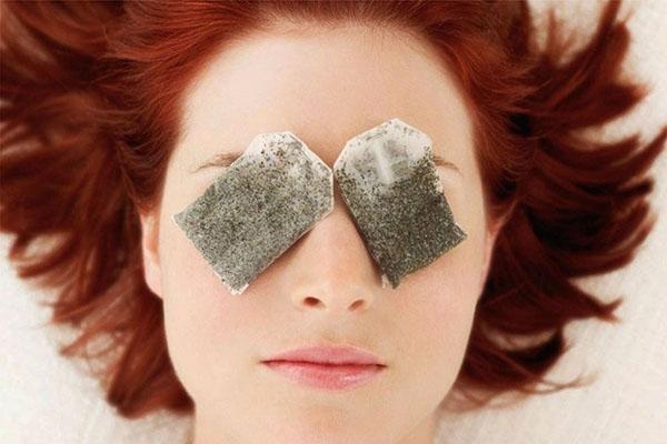 Giảm nếp nhăn quanh vùng mắt bằng những cách đơn giản - Ảnh 1