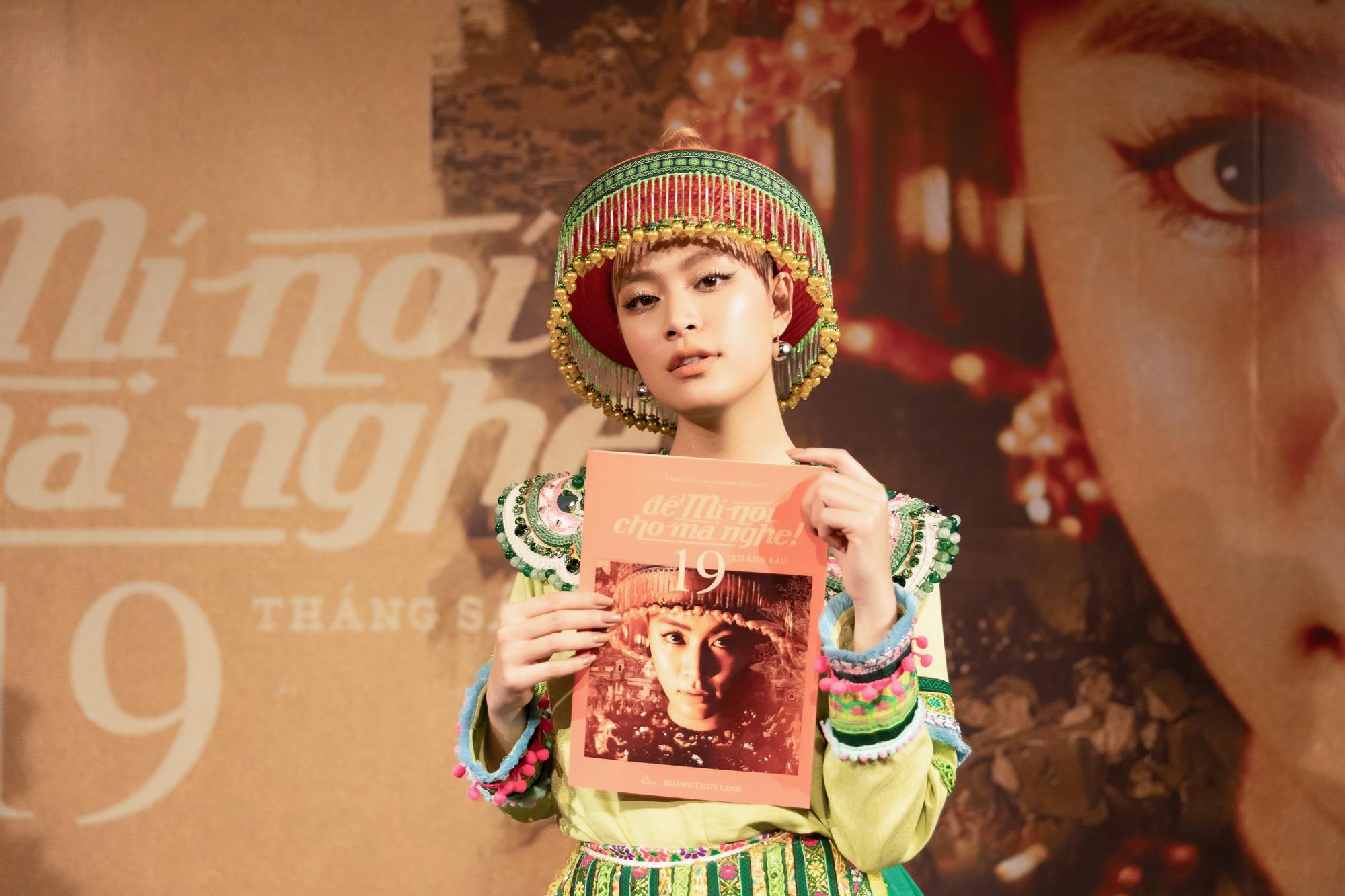 Hoàng Thùy Linh xinh xắn trong trang phục dân tộc Mèo tại buổi ra mắt MV mới - Ảnh 2