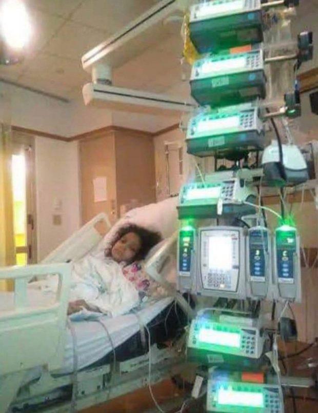 Bé gái bị rách toàn bộ ruột bởi 1 tai nạn kinh hoàng ở bể bơi mà nhiều cha mẹ không ngờ đến - Ảnh 1