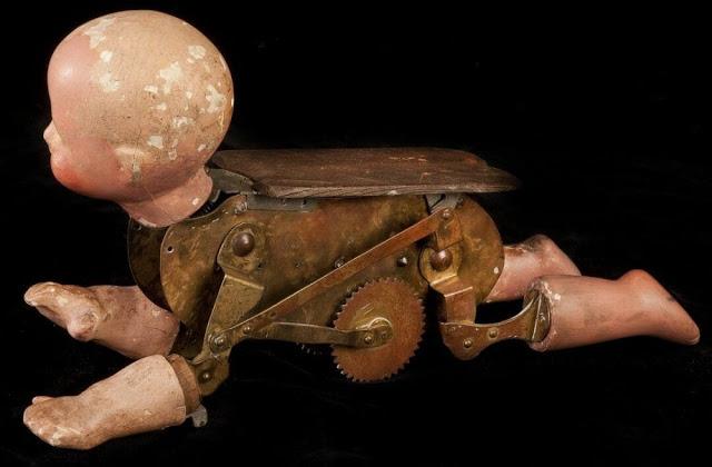 Búp bê của hơn 100 năm về trước: Ai mà ngờ món đồ chơi đáng yêu dành cho trẻ em từng có hình dạng kinh dị gây mất ngủ - Ảnh 3