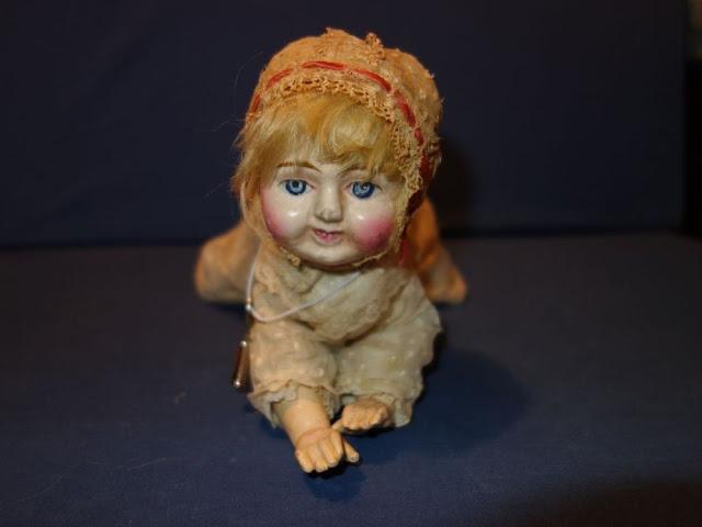 Búp bê của hơn 100 năm về trước: Ai mà ngờ món đồ chơi đáng yêu dành cho trẻ em từng có hình dạng kinh dị gây mất ngủ - Ảnh 4
