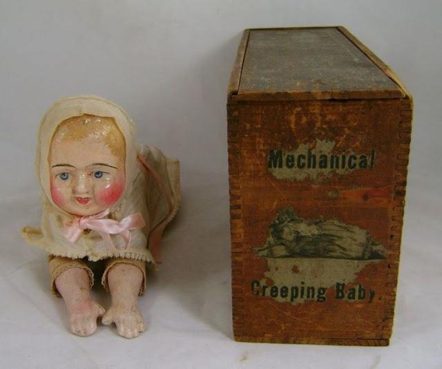 Búp bê của hơn 100 năm về trước: Ai mà ngờ món đồ chơi đáng yêu dành cho trẻ em từng có hình dạng kinh dị gây mất ngủ - Ảnh 7