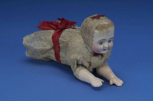Búp bê của hơn 100 năm về trước: Ai mà ngờ món đồ chơi đáng yêu dành cho trẻ em từng có hình dạng kinh dị gây mất ngủ - Ảnh 8