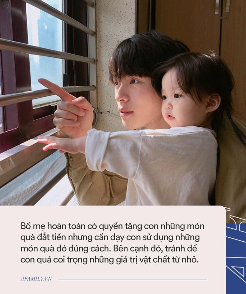 Khoe quà sinh nhật tặng con gái, Lâm Tâm Như bị so sánh không khéo nuôi dạy con bằng bạn thân Triệu Vy - Ảnh 3