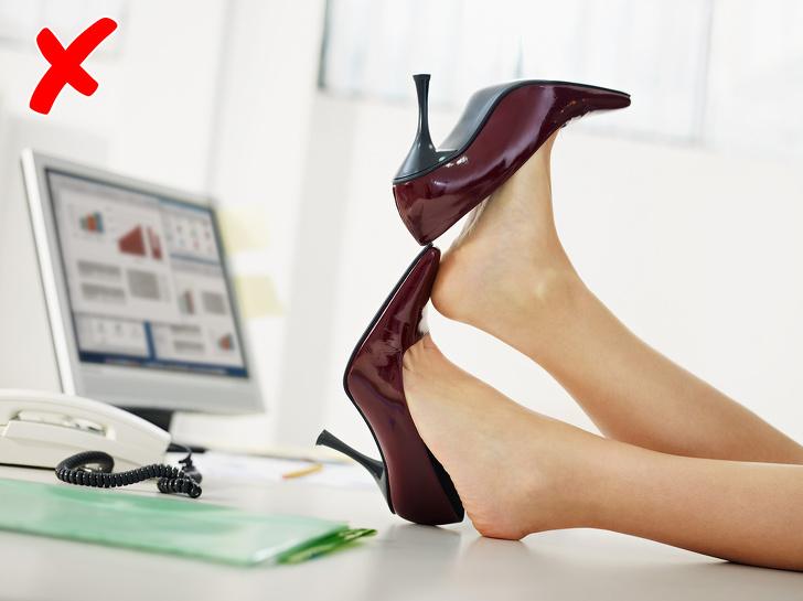 Bí quyết đơn giản giúp đi giày cao gót suốt cả ngày chân vẫn không đau nhứt, trầy xước, là phụ nữ nhất định phải biết - Ảnh 7
