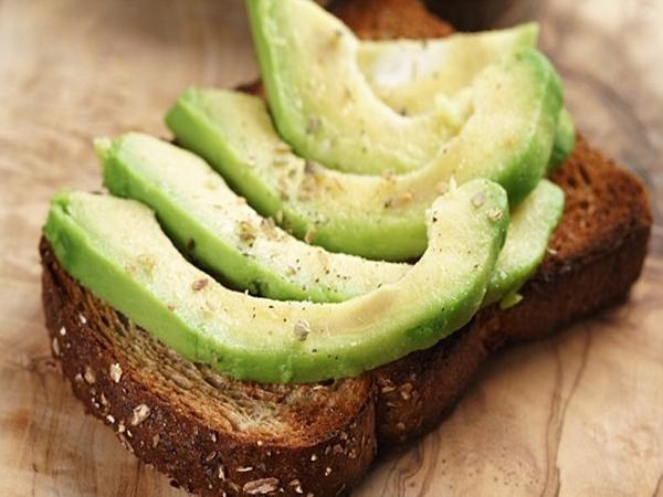 Ngon - bổ - béo, nhưng quả bơ không phải là thực phẩm ai cũng nên ăn nhiều và đây là lý do - Ảnh 2