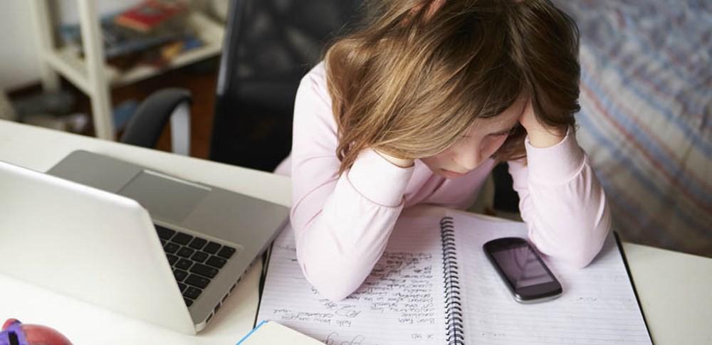 Dán mắt vào máy tính xách tay không ngừng nghỉ khiến bạn có nguy cơ gặp phải nhiều vấn đề sức khỏe tiềm ẩn - Ảnh 5