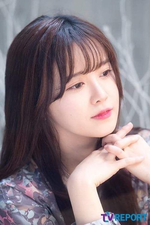 """Bí quyết để """"Cỏ"""" Goo Hye Sun da mềm mịn như gái đôi mươi - Ảnh 5"""