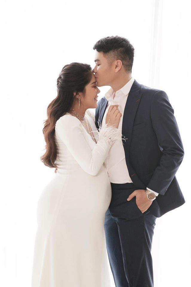 Diễn viên Lê Phương nặng 80 kg khi mang bầu lần hai - Ảnh 1