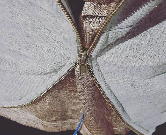 9 mẹo xử lý quần áo hư hỏng, làm mới giày dép cực hữu ích giúp phụ nữ tiết kiệm 'cả núi' tiền - Ảnh 7