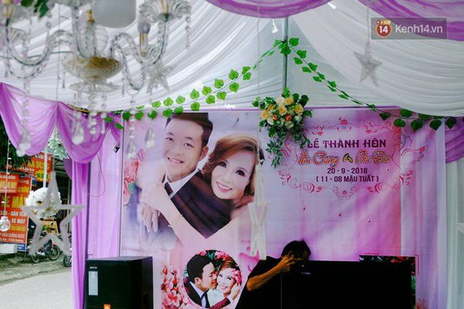 Khung cảnh đám cưới lãng mạn trong giờ phút cô dâu 61 tuổi chuẩn bị lên xe hoa về nhà chồng 26 tuổi - Ảnh 7