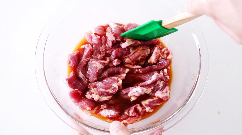 Người Nhật có cách làm món thịt chiên gừng chế biến siêu nhanh mà ăn cực ngon - Ảnh 3