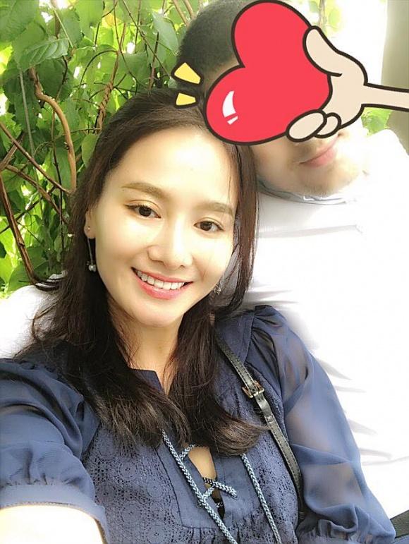 Vợ cũ của Thành Trung hạnh phúc vì có bạn trai 'đúng chuẩn soái ca' - Ảnh 1