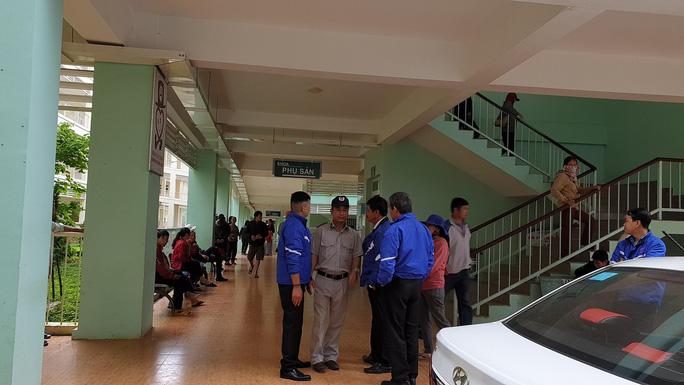 Bé sơ sinh tử vong, người nhà tố Bệnh viện II Lâm Đồng tắc trách - Ảnh 1