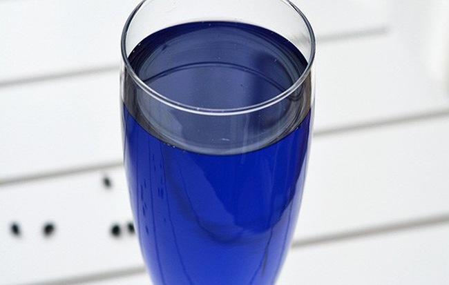 Tự làm và uống một cốc nước màu xanh này mỗi ngày, da bạn sẽ trở nên trắng hồng rạng rỡ - Ảnh 4