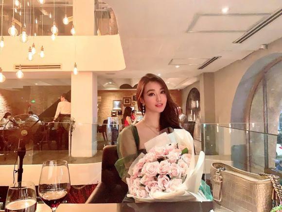 Khánh My đăng ảnh tình cảm nhân dịp kỷ niệm 555 ngày yêu bạn trai kém tuổi - Ảnh 4