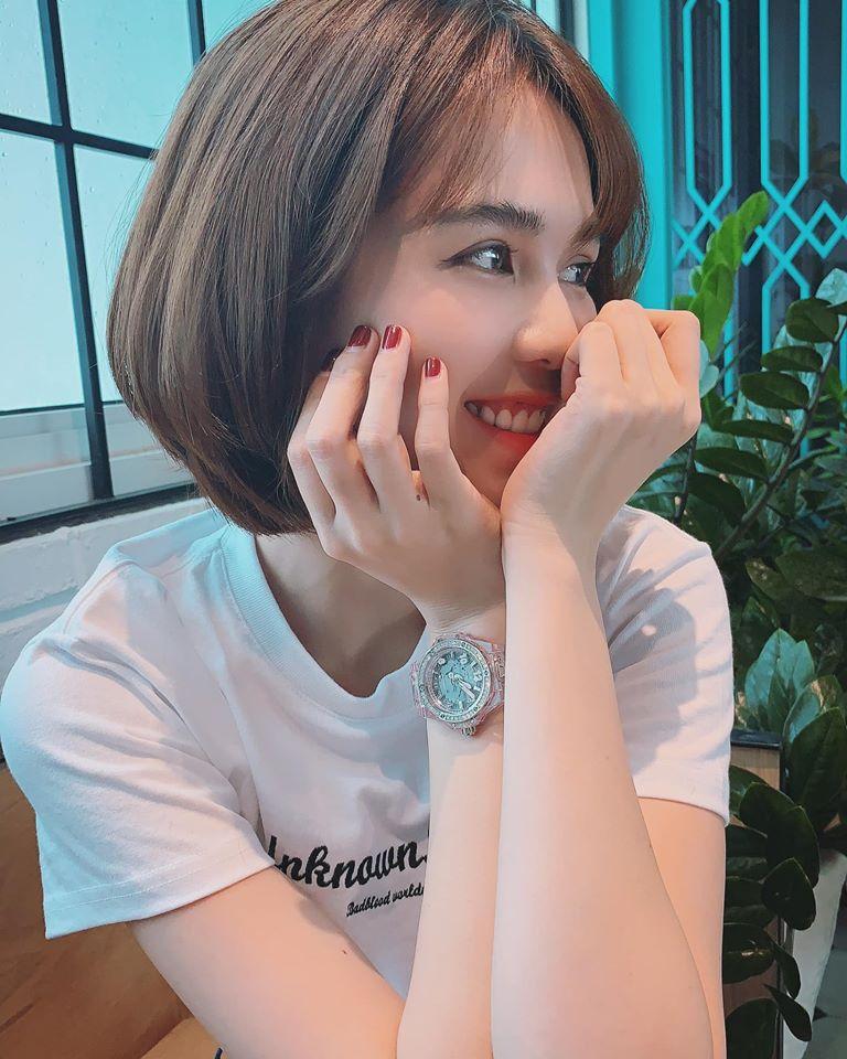 """Ngọc Trinh tiết lộ lý do trở lại facebook sau một tháng """"đóng cửa"""" - Ảnh 1"""