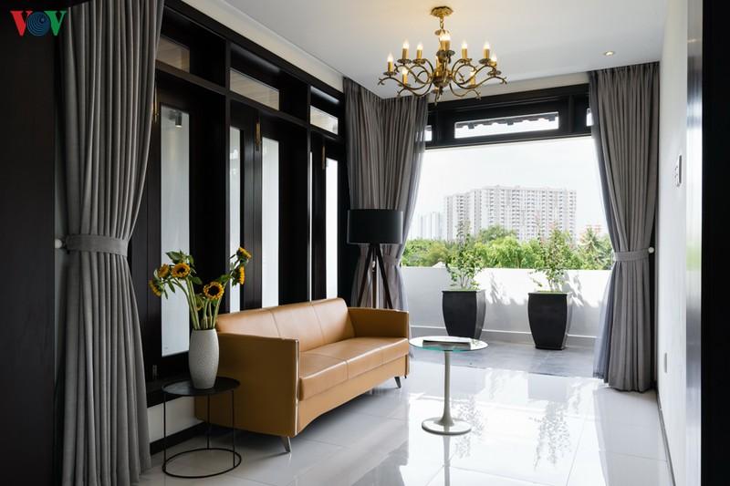 Ngôi nhà mang âm hưởng Huế giữa Sài Gòn - Ảnh 11