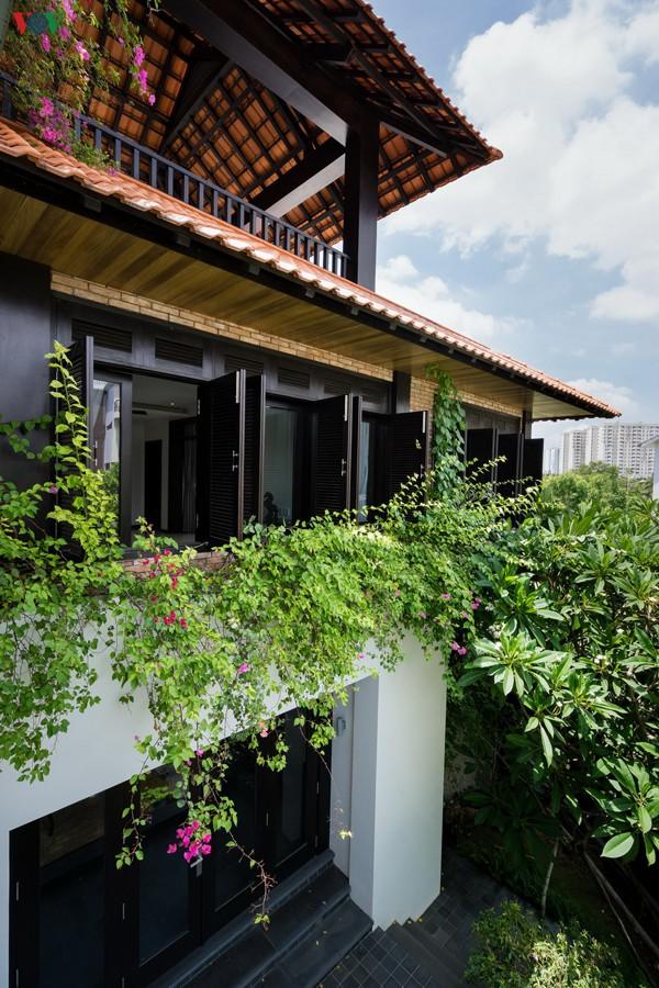 Ngôi nhà mang âm hưởng Huế giữa Sài Gòn - Ảnh 12