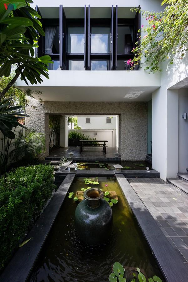 Ngôi nhà mang âm hưởng Huế giữa Sài Gòn - Ảnh 4