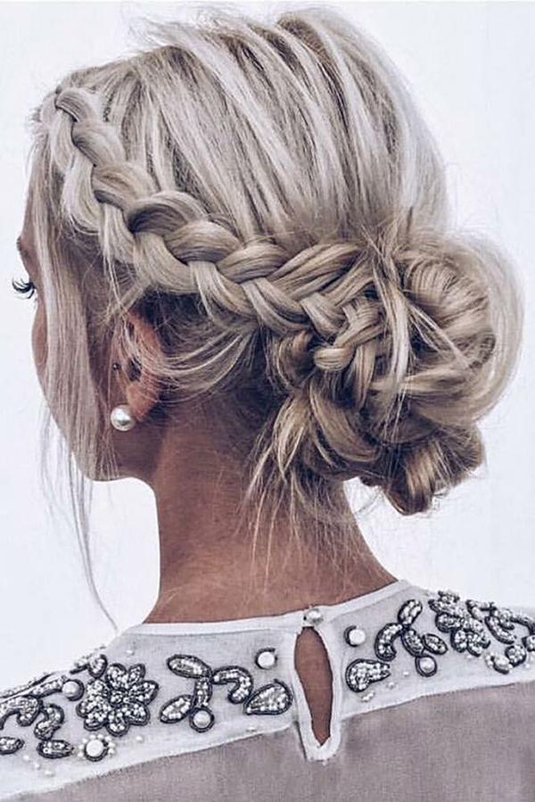 7 kiểu tóc sang trọng cho nàng dự tiệc tối - Ảnh 2