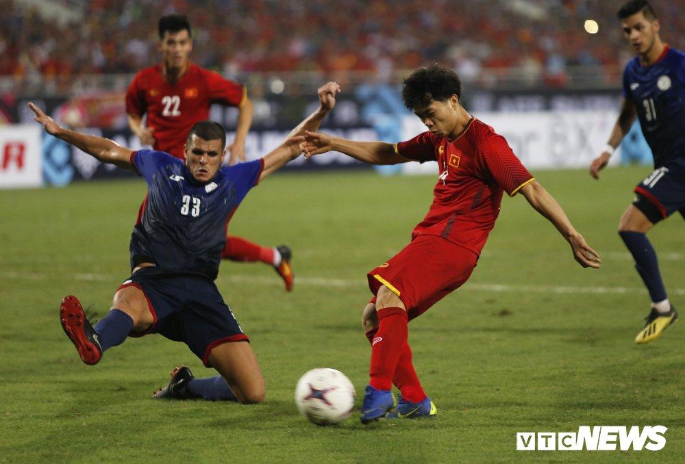 Hạ Philippines 4-2, tuyển Việt Nam kết thúc năm 2018 hoàn hảo - Ảnh 1