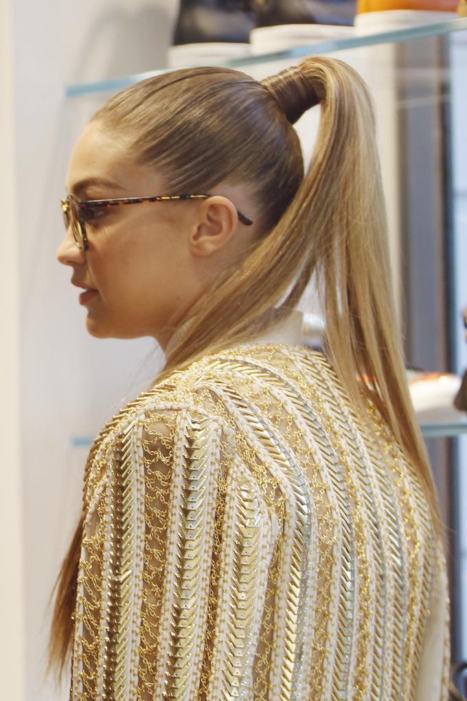 6 kiểu biến tấu giúp tóc đuôi ngựa bớt đơn điệu - Ảnh 2