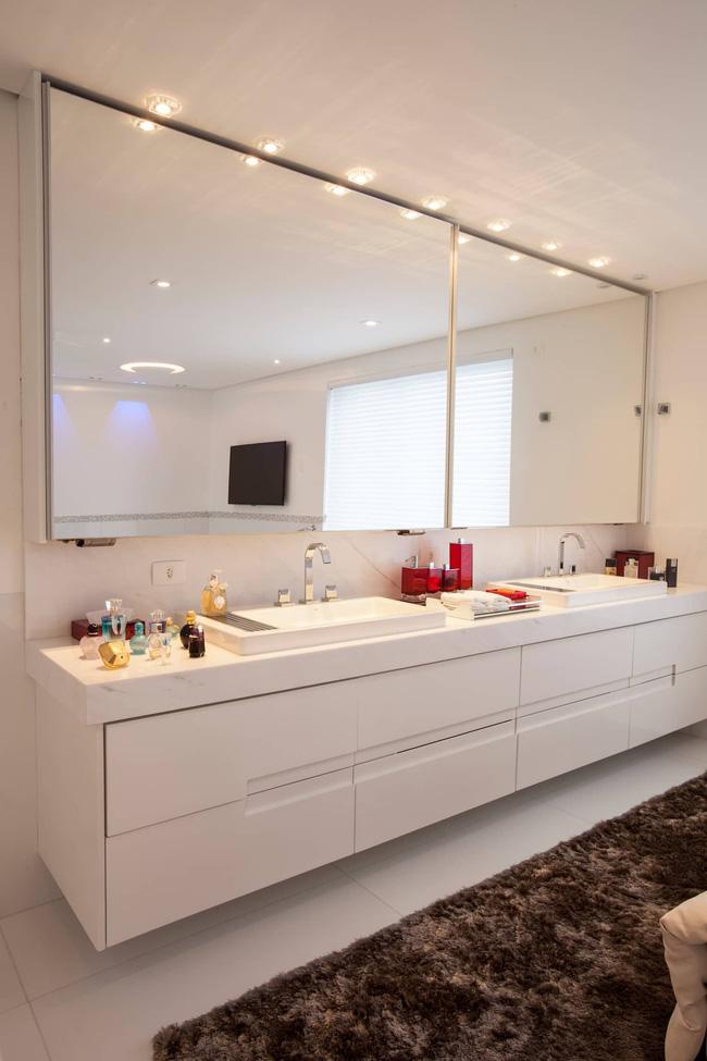 7 ý tưởng lưu trữ ẩn trong phòng tắm bạn không thể không biết để sở hữu phòng tắm rộng hơn diện tích thật - Ảnh 8