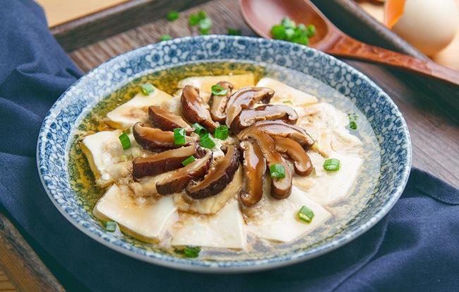 Thanh đạm món đậu hấp nấm cho bữa tối thêm ngon cơm - Ảnh 1