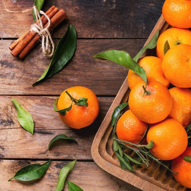 Các loại thực phẩm mang lại may mắn cho năm mới, chị em sắm gì thì sắm cũng không nên để thiếu những thứ này - Ảnh 2