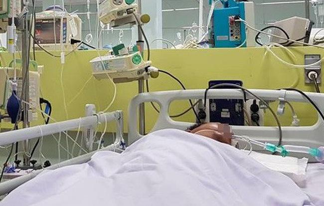 Thương tâm: Đón vợ đi làm về, người đàn ông ở Sài Gòn bất ngờ khó thở và tử vong vì ngộ độc rượu nặng - Ảnh 1