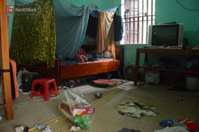 Tết buồn của cặp vợ chồng chênh lệch 43 tuổi ở Hà Nam: Không đào quất, không bánh chưng, 3 đứa con thơ phải mặc đồ cũ - Ảnh 7