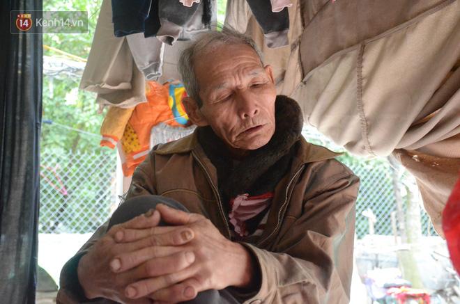 Tết buồn của cặp vợ chồng chênh lệch 43 tuổi ở Hà Nam: Không đào quất, không bánh chưng, 3 đứa con thơ phải mặc đồ cũ - Ảnh 2