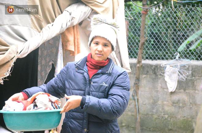 Tết buồn của cặp vợ chồng chênh lệch 43 tuổi ở Hà Nam: Không đào quất, không bánh chưng, 3 đứa con thơ phải mặc đồ cũ - Ảnh 3