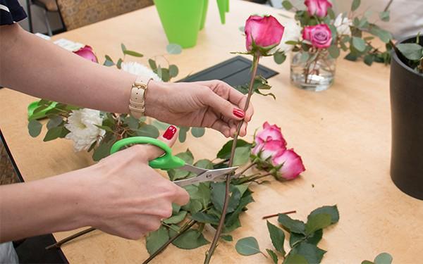 12 lời khuyên để tạo nên cách cắm hoa hoàn hảo đến từng chi tiết - Ảnh 5
