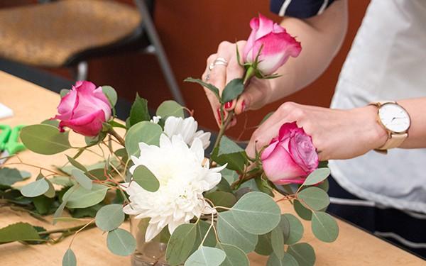 12 lời khuyên để tạo nên cách cắm hoa hoàn hảo đến từng chi tiết - Ảnh 7
