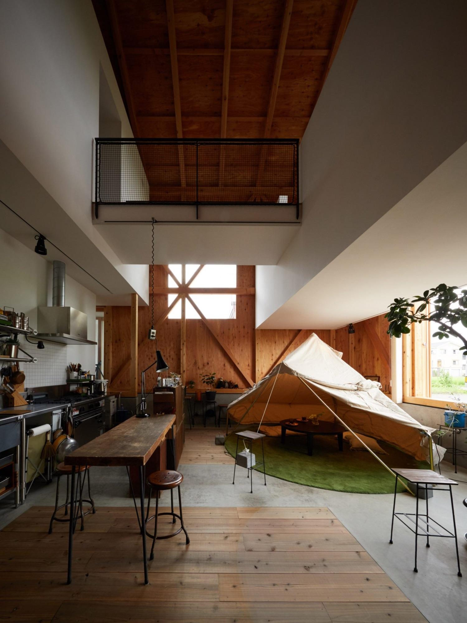 Ngôi nhà hai tầng bình yên với cánh cửa mở rộng đón nắng gió từ đồng lúa xanh tươi - Ảnh 5