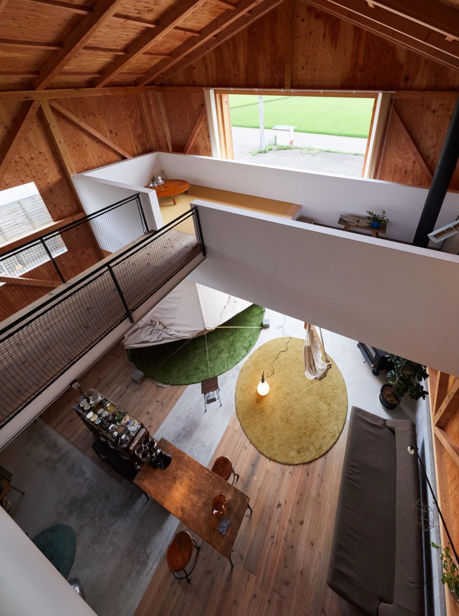 Ngôi nhà hai tầng bình yên với cánh cửa mở rộng đón nắng gió từ đồng lúa xanh tươi - Ảnh 6