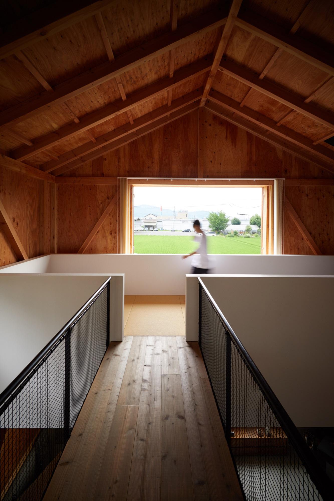 Ngôi nhà hai tầng bình yên với cánh cửa mở rộng đón nắng gió từ đồng lúa xanh tươi - Ảnh 7