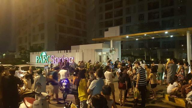 Cháy tại chung cư PARC Spring ở Sài Gòn, dân nháo nhào bỏ chạy - Ảnh 1