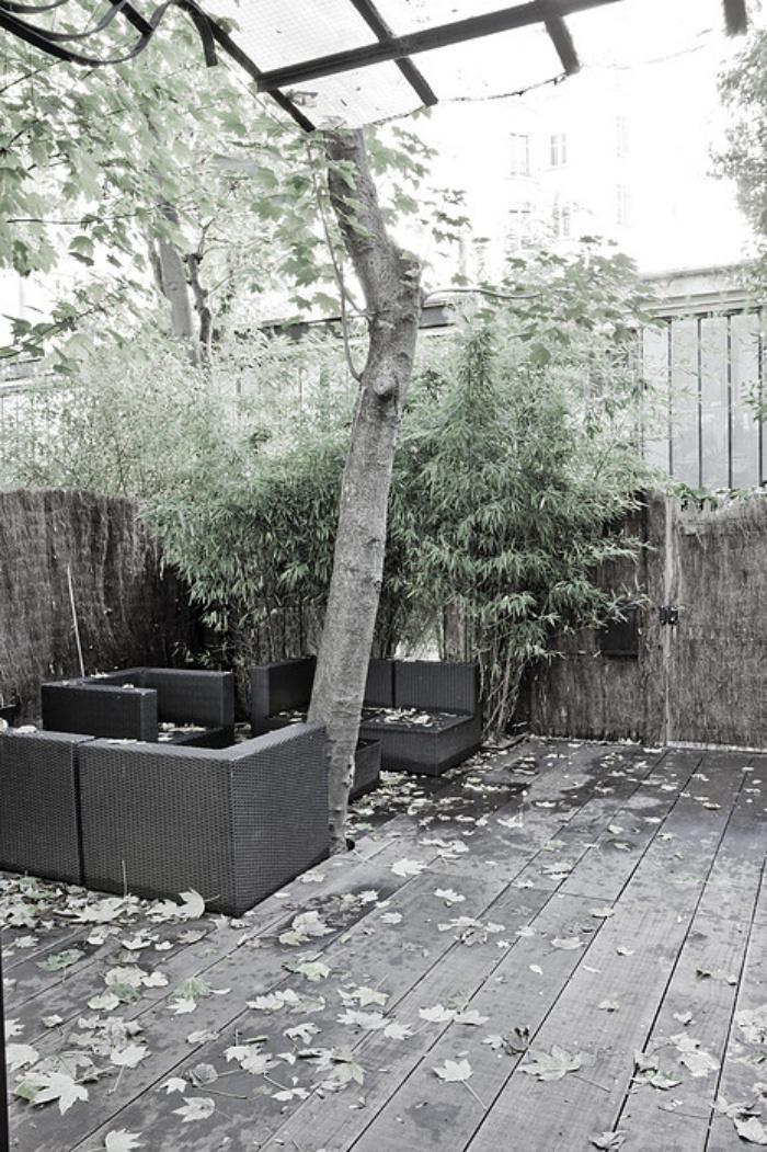 Nhà nhỏ có gác xép mang sắc màu cổ điển và cá tính nhờ phối màu đen trắng - Ảnh 8