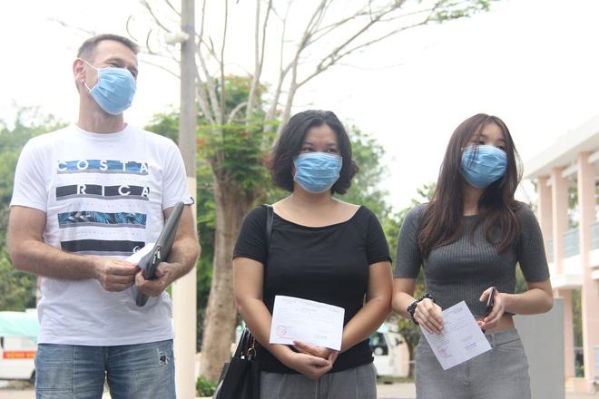 Thêm 3 ca nhiễm Covid-19 tại TP.HCM khỏi bệnh, tất cả đều liên quan đến nữ BN34 ở Bình Thuận - Ảnh 2
