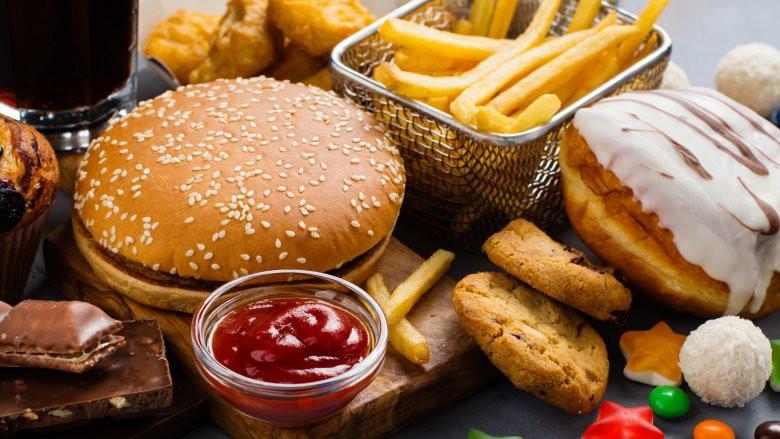 Da ngày càng nhăn nheo, xấu xí vì thường xuyên ăn những thực phẩm có hại này - Ảnh 1