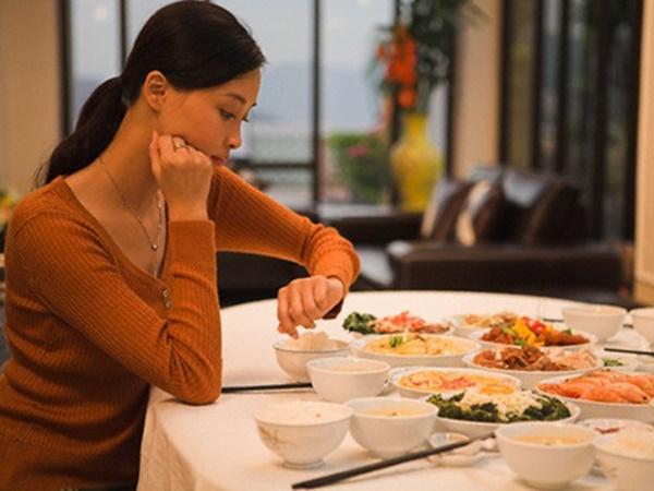 Đàn ông có yêu bạn hay không, chỉ cần ăn cùng 1 bữa cơm là biết - Ảnh 2